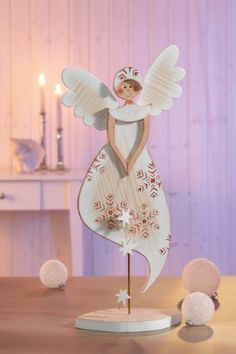 Risultati immagini per holzfiguren für winter & weihnachten Christmas Wood, Christmas Angels, Winter Christmas, Handmade Christmas, Christmas Time, Christmas Ornaments, Amazon Christmas, Wooden Crafts, Diy And Crafts