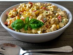 Sałatka makaronowa z kurczakiem - Blog z apetytem Cantaloupe, Macaroni And Cheese, Fruit, Ethnic Recipes, Blog, Pasta Meals, Easy Meals, Mac And Cheese