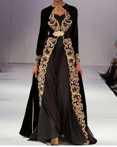 "Gefällt 933 Mal, 1 Kommentare - #caftan (@caftanmoroccoluxe) auf Instagram: ""روميو المبدع#hautecouture #handmade #style #glamour #embroidery #broderies…"""
