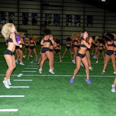 NFL Cheerleaders Workout  JUMP TURNS  180 degrees. Pick your direction. Jump. It's that simple. The only tricky part is coordinating with your neighbor so you don't jump opposite directions and crash into each other. (Not that I'd know anything about that…)  Cheer style: Plyometrics are great for building power and getting your heart rate up for a little interval work.