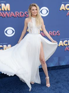 American Country Music Awards, Country Music Stars, Country Singers, Famous Celebrities, Beautiful Celebrities, Celebs, Kelsea Ballerini, Im So Fancy, Prom Dresses