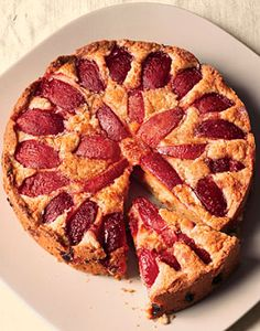 Find the recipe for Almond-Plum Buckle and other almond recipes at Epicurious.com Plum Tart, Sweetened Whipped Cream, Pie Crumble, Dairy Free Diet, Stone Fruit, International Recipes, Coffee Cake, No Bake Cake, Bon Appetit