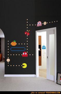 Paredes decoradas por un adicto al Pac-man