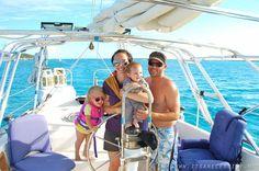 Семья воспитывает дочерей в постоянных круизах по Карибскому морю