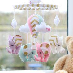 HOME DZINE Craft Ideas | Ideas for felt nursery mobile