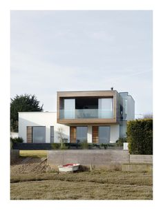 the Pooley House by John Pardey Architects