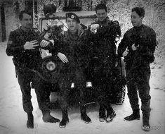 Легендарной Роте Оперативного Реагирования (ORR) тридцать лет — Самооборона от короны Security Guard, Mustang, Fictional Characters, Art, Art Background, Mustangs, Kunst, Mustang Cars, Performing Arts