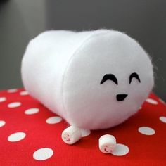 Sew a marshmallow plush inspired by Cloudy With a Chance of Meatballs 2! Video tutorial.