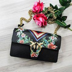 #LOVE me tender ✨❤️ - #Pinko bag presto online su ➡️ RicciShop.it #pinkolove #pinkostars #newcollection #bag #bags #borsa #handbag #colorful #cool #beautiful #glamour #style #street #girlpower #blogger #topHandle #lovely #shoponline #riccishop #shopping #loveshopping #bestshop #italy #fashionaddict #fashiontrends #instafashion