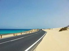 Fuerteventura Great Places, Places To See, Beautiful Places In England, Paradise On Earth, Next Holiday, Canario, Space Travel, Canary Islands, Tenerife