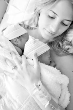A Birth Story: London & Graden – Ivory Lane Twin Babies Pictures, Baby Hospital Pictures, Twin Baby Photos, Birth Photos, Newborn Pictures, Family Pictures, Cute Baby Twins, Twin Baby Girls, Boy Girl Twins