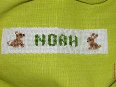 Serviette de table élastiquée enfant. Broderie mains.  - point de croix - cross stitch - broderie - embroidery  -Blog : http://broderiemimie44.canalblog.com/