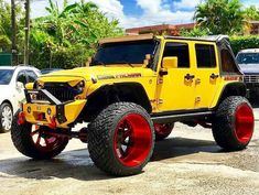 A collection of customized jeeps that I find cool and interesting. Jeep Wrangler Lifted, Jeep Suv, Jeep Rubicon, Jeep Truck, Jeep Wrangler Unlimited, Lifted Jeeps, Wrangler Sport, Custom Jeep, Custom Trucks