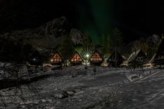 Lofoten Feriesenter tilbyr campingplasser, 14 hytter og ett selskapslokal. Vi kan by på en rekke aktiviteter gjennom Lofotveggen Events.