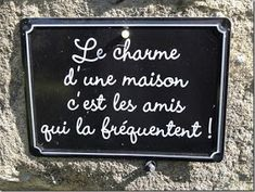 Charmen ved et hjem, det er vennerne, der hyppigt forekommer det. Words Quotes, Wise Words, Me Quotes, Sayings, Quote Citation, French Quotes, Visual Statements, Positive Attitude, Blog