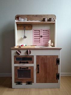 ハンドメイドマーケット minne(ミンネ)| 小窓でつながる木製おままごとキッチン &お店屋さん(珊瑚色)