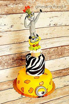 torta minions re julien madagascar