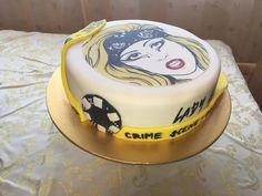 Lady Gaga Birthday cake.I was worry about the design but when I finished the cake. I actually like it!!:))