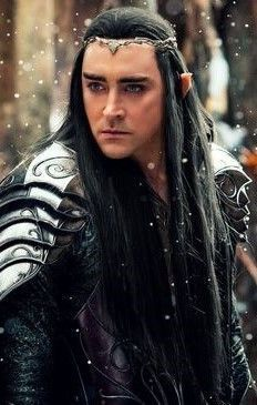 Thranduil in black hair? Tolkien, Avatar Costumes, Elf King, Legolas And Thranduil, The Hobbit Movies, Aesthetic People, Fantasy Dragon, Lee Pace, Medieval Fantasy