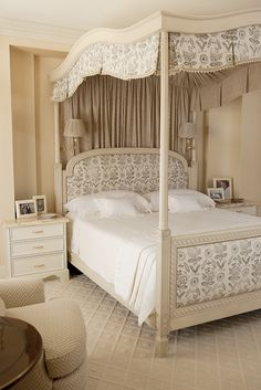 In December I featured an elegant and timeless Dallas home designed in the early by Josie McCarthy and dressed in its holiday finery. Instantly, I fell in love with Josie's classic styl… Airy Bedroom, Pretty Bedroom, Home Bedroom, Bedroom Decor, Bedroom Ideas, Awesome Bedrooms, Beautiful Bedrooms, Classic Bedroom Furniture, French Style Decor