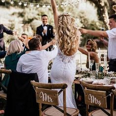 A toast to the bride ✨ What a blissful moment captured here by @chrisandruth ✨ Tag someone you know who would love this! More dresses on our site, link in bio.  .  .