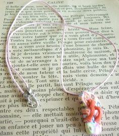Pendentif tong rouge fleurit en pâte fimo. : Pendentif par laboiteabijouxnanny