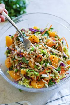 Chinese Chicken Salad - - Finally, a healthy, meal prep-friendly Chinese Chicken Salad that's made to impress. Salade Healthy, Real Food Recipes, Healthy Recipes, Healthy Meals, Dinner Healthy, Healthy Chinese Food, Beef Recipes, Easy Recipes, Clean Eating