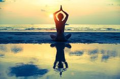 'Finding My Ease' at Tara Stiles' Yoga Studio, Strala - Yoga Photos Tara Stiles Yoga, Meditation Practices, Yoga Meditation, Yoga Flow, Asana, Yoga Inspiration, Yoga Chaud, Strand Yoga, Yoga Kunst