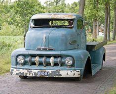 1961 Ford Econoline Pick-Up Cool Trucks, Big Trucks, Chevy Trucks, Pickup Trucks, Cool Cars, 1951 Ford Truck, Truck Flatbeds, Pickup Camper, Jeep Pickup