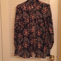 Lucky Brand Printed Button-Up Beautiful floral print! Worn just a few times and in perfect condition! Such a soft fabric Lucky Brand Tops Button Down Shirts