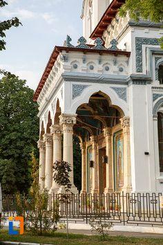"Catedrala Episcopală ""Sf. Alexandru"" (1869-1898) - detaliu; Strada Independenței 7-9, Alexandria; stil bizantino-romanic și neogotic"