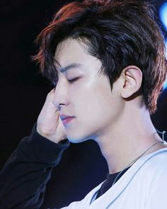 ᴅᴀʏ ᴇɪɢʜᴛᴇᴇɴ - ʙʟᴀᴄᴋ ʜᴀɪʀ ᴘᴀʀᴋᴄʜᴀɴʏᴇᴏʟ Stan EXO or regret your life! Kai Exo, Chanyeol Baekhyun, Exo Chanyeol, Exo Chanbaek, Exo Korean, Kim Junmyeon, Sad Faces, K Idols, Monsta X