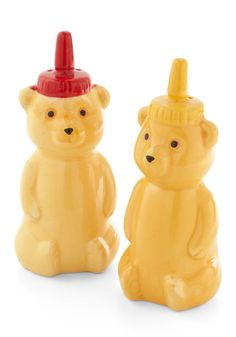 Seasoning your food has never been sweeter thanks to these honey-bear-shaped salt and pepper shakers by Streamline!