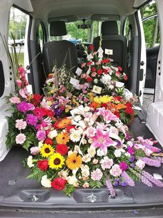 fdc3f0455e3ca1 Van full of flowers. Lots of deliveries today!! Green Garden