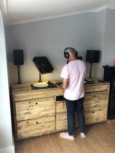 Design Studio Office, Recording Studio Design, Dj Setup, Room Setup, Dj Equipment For Sale, Dj Stand, Dj Table, Dj Decks, Flat Interior Design