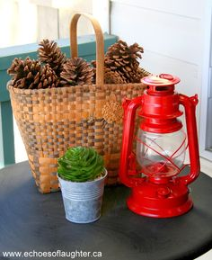 This is perfect porch decor for Canada Day!