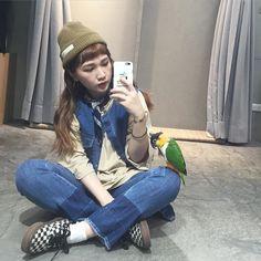 我的小跟班 #selfie #with #parrot #blackheadedcaique by o.poism_taipei http://www.australiaunwrapped.com/