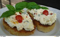 Bazalková pomazánka s Cottage sýrem Baked Potato, Potatoes, Cottage, Baking, Ethnic Recipes, Food, Potato, Cottages, Bakken