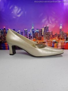 Womens shoes NORDSTROM pearl ivory LEATHER Classic Wedding Bridal pumps sz 9 S #Nordstrom #PumpsClassics