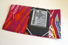Easy Tablet/eReader Cover Tutorial | Sew Mama Sew |