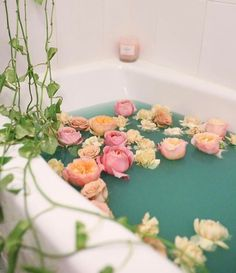 Soaking in a hot bath after a long day at work is pure bliss. Sprinkle some flowers into your tub, and you have yourself a beautiful relaxation ritual that's Entspannendes Bad, Pinterest Instagram, Best Bath, Milk Bath, Bath Time, Bath Bombs, Bath And Body, Decoration, Urban Outfitters