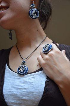 Parure choux bleue en Capsules Nespresso Coffee Pods, Homemade Jewelry, Bijoux Diy, Beading Tutorials, Metal Jewelry, Jewelry Making, Cute Ideas, Recycling, Good Ideas