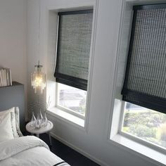 6 Certain ideas: Blinds For Windows Ideas bamboo blinds bathroom.Blinds For Windows Outside Mount diy blinds drop cloths.Blinds And Curtains No Sew. Kitchen Blinds Black, Blinds Design, Bedroom Blinds, Fabric Blinds, Living Room Blinds, Blinds For Windows, Window Coverings, House Blinds, Wooden Blinds