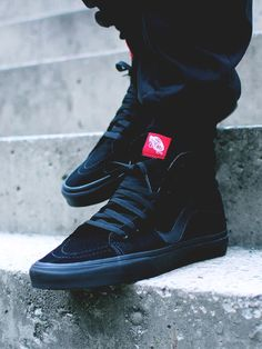 Sleek looking all-black Sk8-hi #vans