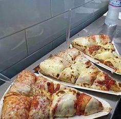 Картинка с тегом «pizza, food, and delicious»