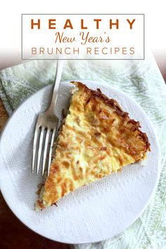 Ditch the typical quiche buttery crust and try this tasty spinach crust with a cheesy Parmesan flavor instead. You'll save calories and won't even taste the difference! Healthy Quiche, Easy Quiche, Healthy Brunch, Healthy Food, Healthy Eating, Delicious Breakfast Recipes, Brunch Recipes, Diet Recipes, Healthy Recipes