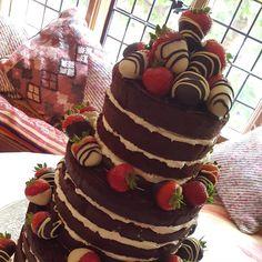 Yesterday's wedding cake at the stunning #grayscourtyork  #chocolateweddingcake #nakedweddingcake #nakedchocolatecake #rusticweddingcake #chocolatedippedstrawberries #weddingcakeyork #babycakes #babycakesyork
