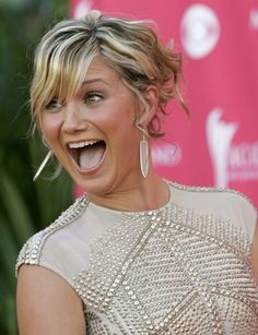 Jennifer Nettles of Sugarland - amazing voice and love her attitude! Country Music News, Country Music Singers, Country Female Singers, Country Artists, Pretty People, Beautiful People, Amazing People, Beautiful Boys, Simply Beautiful