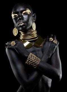 """ Editorial de Jóia by Guto Esteves Shai'La Yvonne, model "" This really took my breath away. She looks like a real Goddess. "" Editorial de Jóia by Guto Esteves Shai'La Yvonne, model "" This really took my breath away. She looks like a real Goddess. Black Women Art, Beautiful Black Women, Black Art, Color Black, Gorgeous Girl, White Women, African Beauty, African Women, African Fashion"