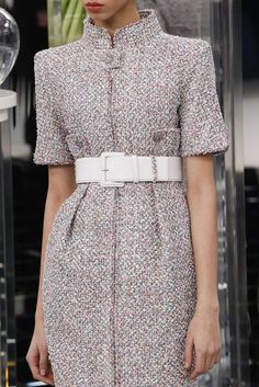 Chanel Spring/Summer 2017 Couture - Chanel Dresses - Trending Chanel Dress for sales - Chanel Spring/Summer 2017 Couture Chanel Couture, Style Haute Couture, Couture Fashion, Couture Details, Spring Fashion, High Fashion, Womens Fashion, Fashion 2017, London Fashion